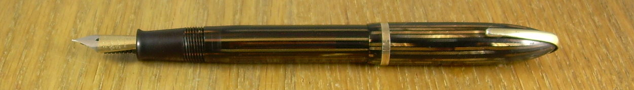 Sheaffer Defender vacuum version in golden  brown.