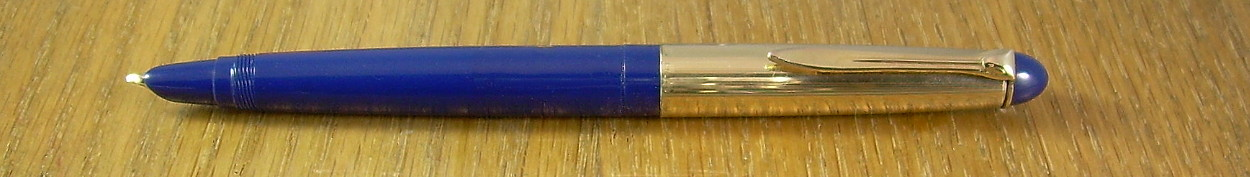 "Pelikan 25.  The catalogue described this colour as ""sapphire blue"", with ""diamond black"" as the other possibility."